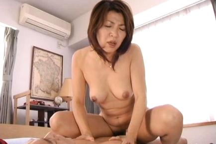 Kyoko Pretty Japanese babe gives hot sex