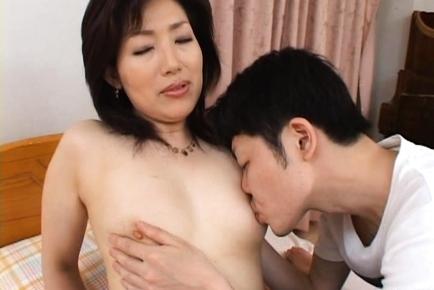 Aya Mature Japanese chick gets fucked
