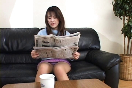 Hiromi Asian mature babe gives a hot blow job