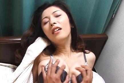 Saeko is a hot mature Japanese babe