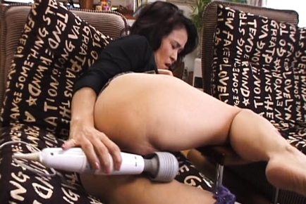 Yoko is a mature Japanese babe who spreads her legs for sex