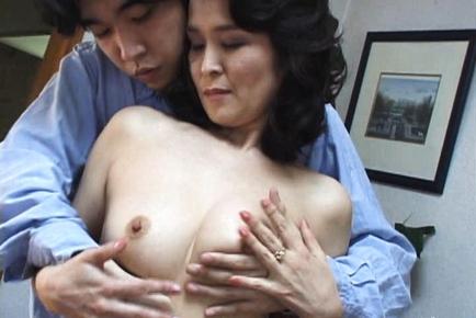 Yoko is a mature Asian chick who enjoys fucking