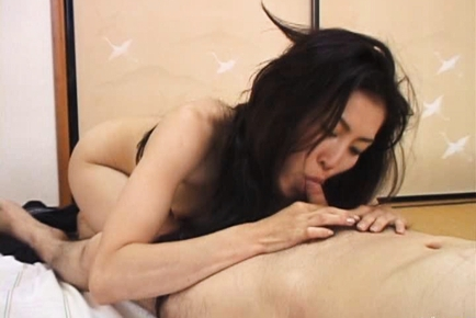 Saori Lovely Asian mature gal gets hot sex
