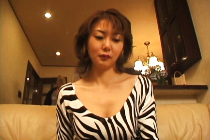 Maria Yuki Hot Japanese mature babe