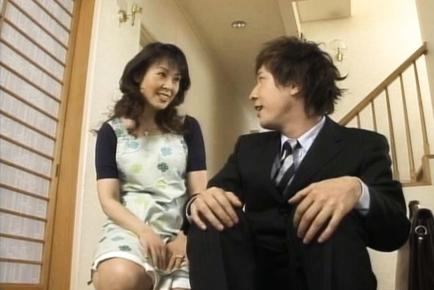 Hitomi Kurosaki mature Japanese woman enjoys sex