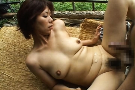 Chisato Shouda Asian mature chick gets pussy licked
