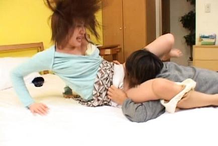 Kaori Nanba Japanese mature babe gets hot sex