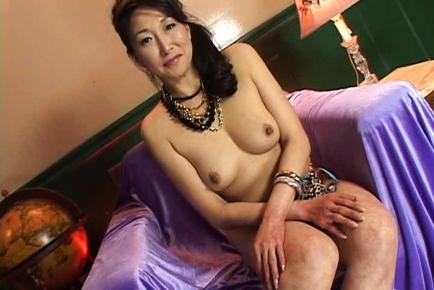 Nanko Shimada Asian babe gets a dildo fucking