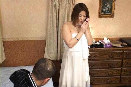 Ayano Musasaki Mature and beautiful Asian woman