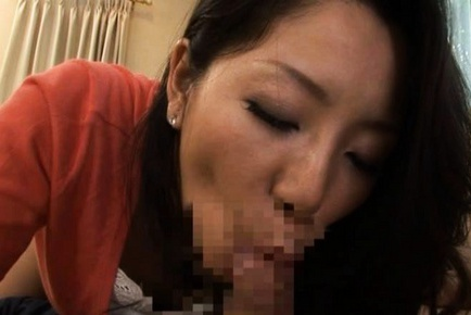 Ayane Asakura Asian MILF has a big sexy ass