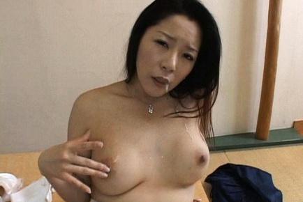 Ayane Asakura Kinky Japanese MILF masturbates