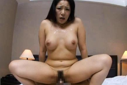 Ayane Asakura Mature Japanese babe has a cute ass