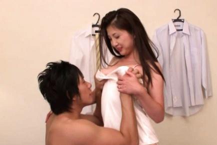 Chisa Kirishima Asian mature lady spreads her legs