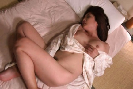 Chisa Kirishima Asian mature lady is masturbating