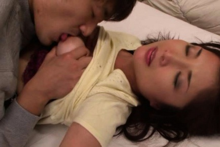 Chisa Kirishima Asian MILF gives amazing sex