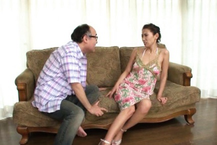 Asuka Yuki Hot mature Asian model spreads her legs