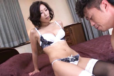 Asuka Yuki Asian model has sex in her lingerie