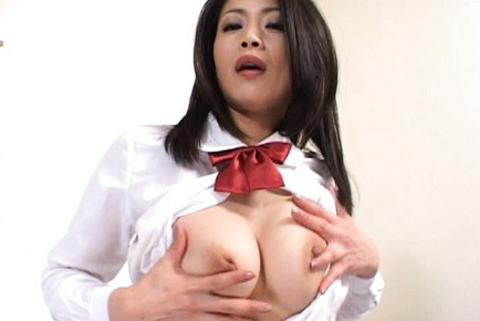 Maki Tomada Sweet mature Asian babe