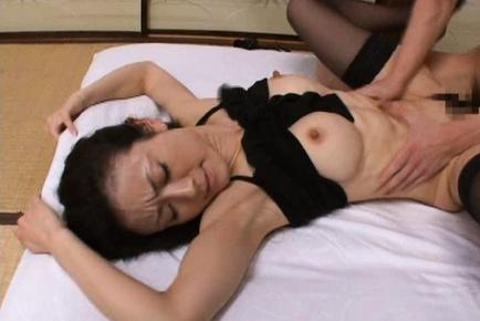 Matsuda Kumiko Asian mature lady in sexy lingerie