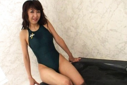 Maki Miyashita Sweet Asian MILF