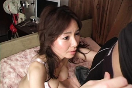 Mizuki Tachibana Asian model is mature and sexy