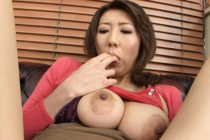 Anna Hoshi is a hot mature who loves masturbation and cums hard for the cam.