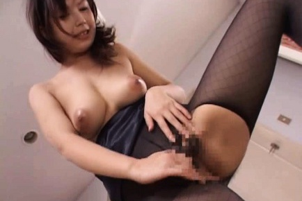 Mature Japanese lady has sex in her lingerie