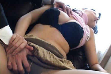 Hot mature in some serious hardcore fucking action!