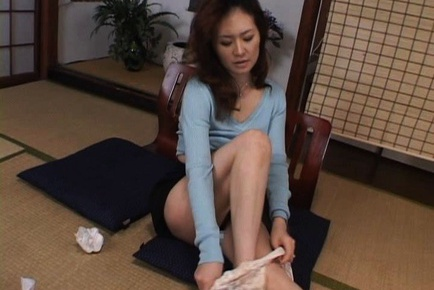 Mina Toujou horny Asian housewife likes her ´s friends cock