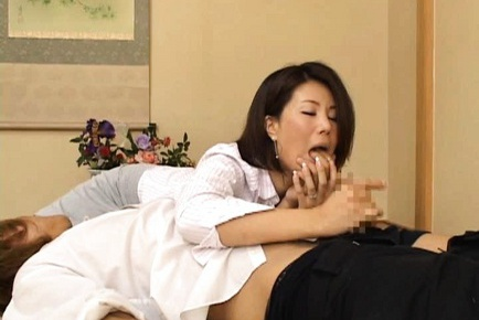 Hot Mom Mio Fujiki Loves To Lick And Suck Anything
