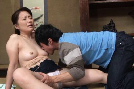 Kaoru Namiki hot mature babe with doggy riding sex