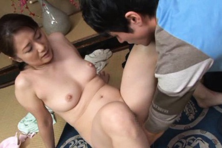 Kaoru Namiki hot mature babe with doggy riding sex