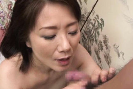 Mature Asian babe Kaoru Namiki 69 position with cum on her face
