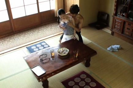 Catching A Mature Babe Fucking On The Living Room Floor