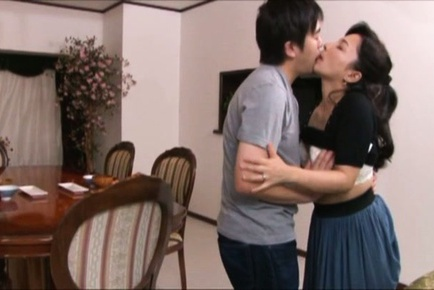 Hot mature housewife Mai Itou gets nailed