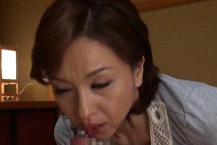 Charming mature babe Kumi Kanzaki licks body and sucks