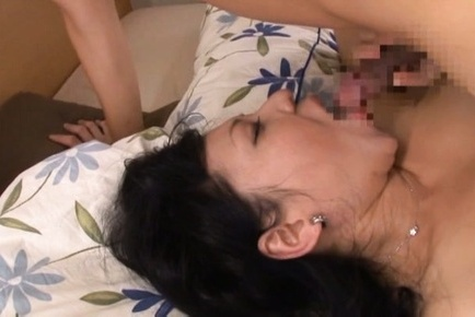 Horny mature lady Emiko Ejima enjoys sex with a young guy