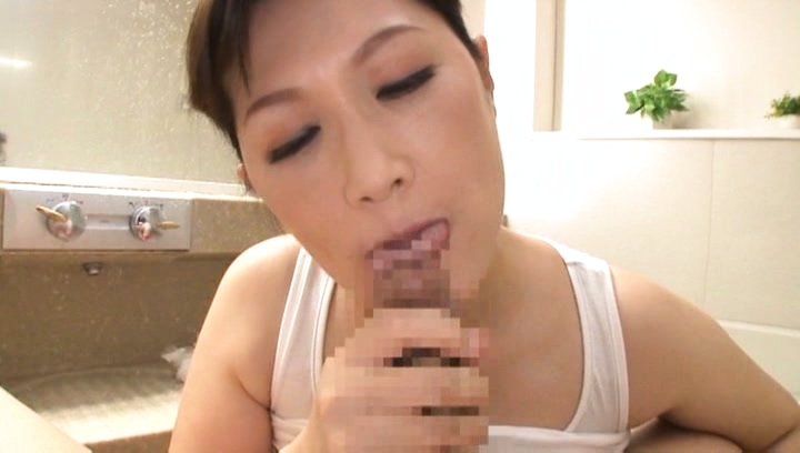 Reiko Shimura would love to taste this stiff cock