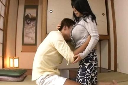 Rumiko Yanagi mature Asian housewife in hardcore action