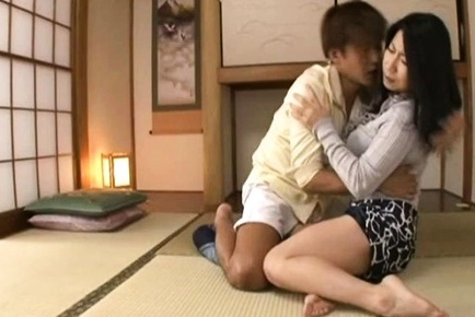 Rumiko Yanagi mature Asian housewife in hardcore action