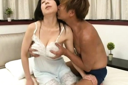 Rumiko Yanagi mature Asian babe gets creampied pussy